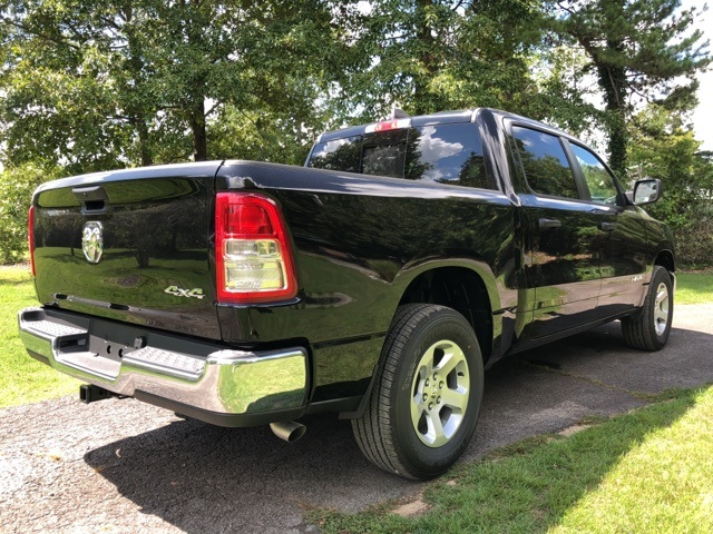 2019 Ram 1500 Crew Cab 4x4,  Pickup #KN631244 - photo 5