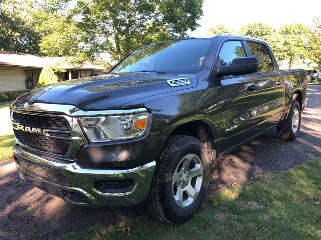 2019 Ram 1500 Crew Cab 4x4,  Pickup #KN631248 - photo 1