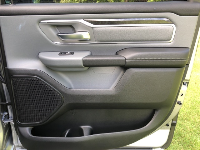 2019 Ram 1500 Crew Cab 4x4,  Pickup #KN644917 - photo 15
