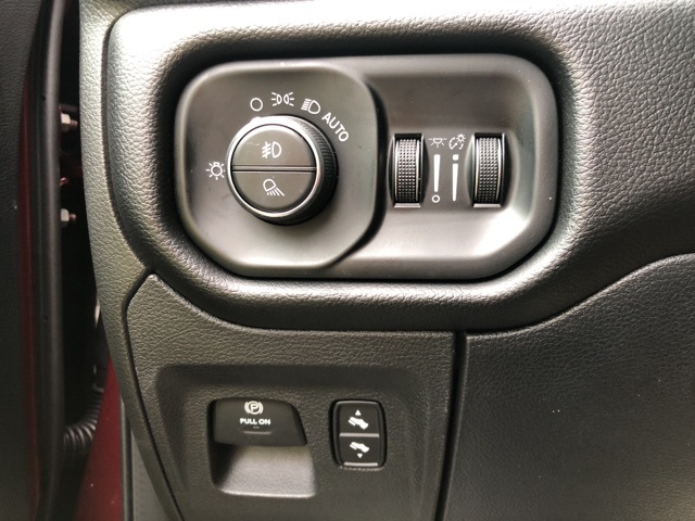 2019 Ram 1500 Crew Cab 4x4,  Pickup #KN644923 - photo 27