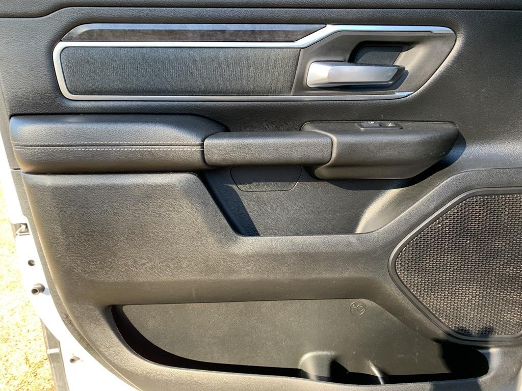 2019 Ram 1500 Crew Cab 4x4,  Pickup #KN702988 - photo 16