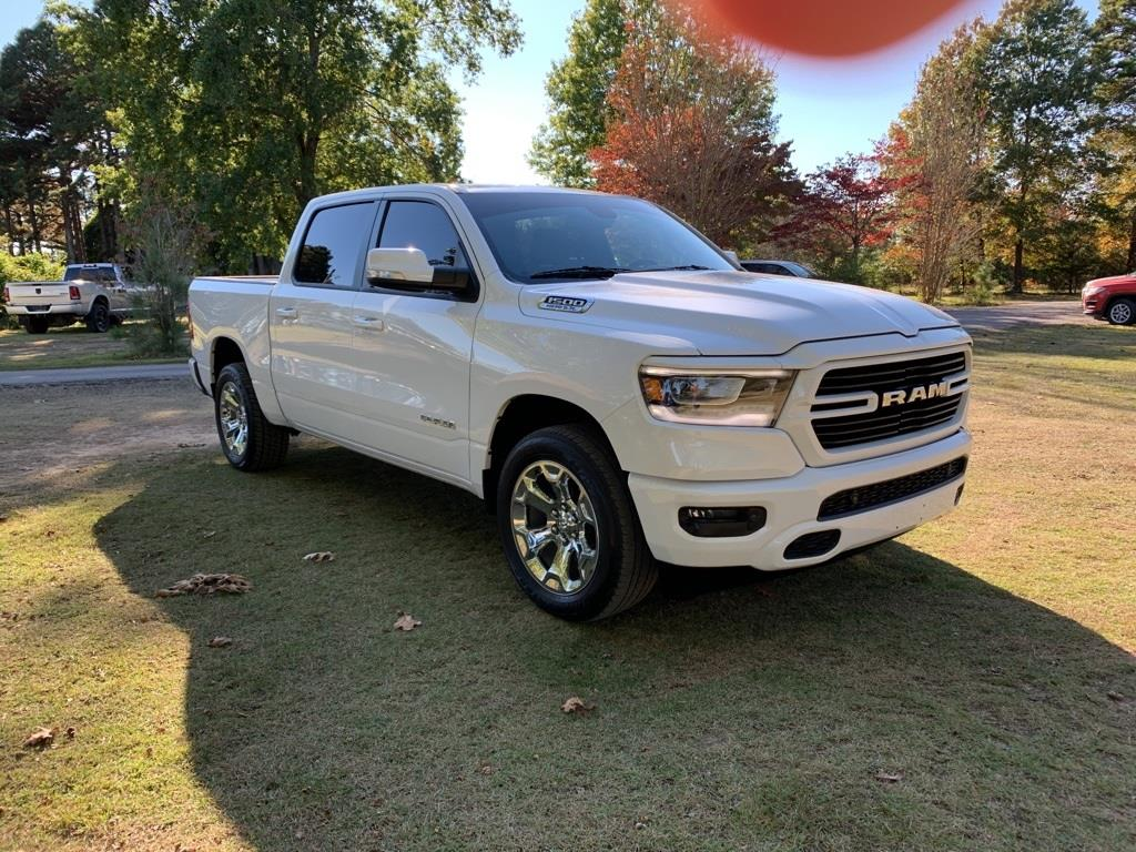 2019 Ram 1500 Crew Cab 4x4,  Pickup #KN702988 - photo 4