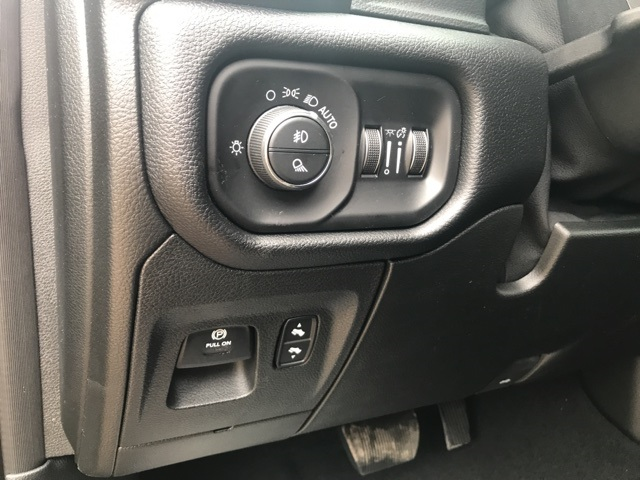 2019 Ram 1500 Crew Cab 4x4,  Pickup #KN719991 - photo 19