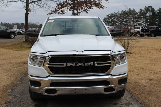 2019 Ram 1500 Quad Cab 4x2,  Pickup #KN737933 - photo 3