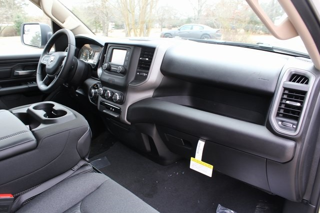 2019 Ram 1500 Quad Cab 4x2,  Pickup #KN737933 - photo 24