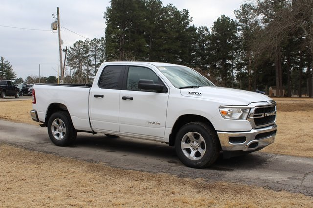 2019 Ram 1500 Quad Cab 4x2,  Pickup #KN737933 - photo 4