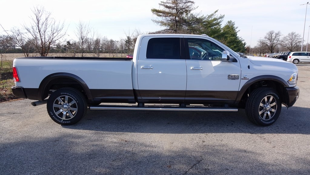 2018 Ram 3500 Crew Cab 4x4, Pickup #C8320 - photo 3