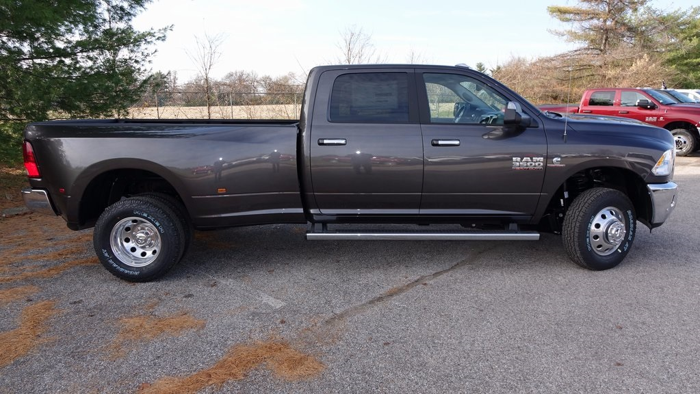 2018 Ram 3500 Crew Cab DRW 4x4, Pickup #C8391 - photo 3