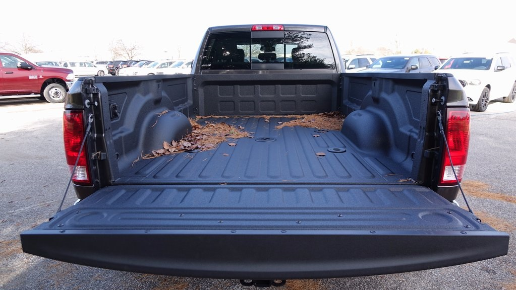 2018 Ram 3500 Crew Cab DRW 4x4, Pickup #C8391 - photo 30