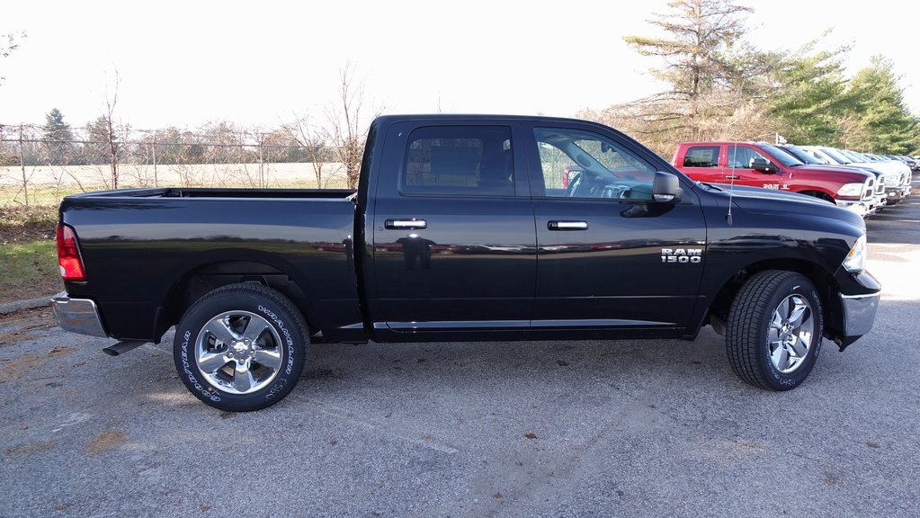 2018 Ram 1500 Crew Cab, Pickup #C8400 - photo 3
