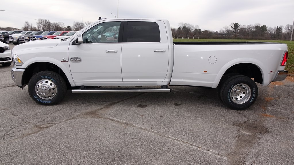 2018 Ram 3500 Crew Cab DRW 4x4, Pickup #C8482 - photo 6
