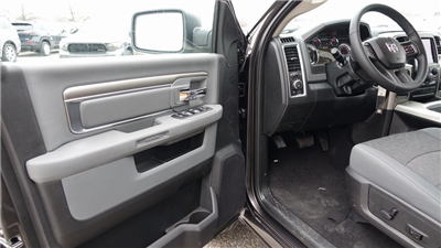 2018 Ram 1500 Crew Cab, Pickup #C8483 - photo 10