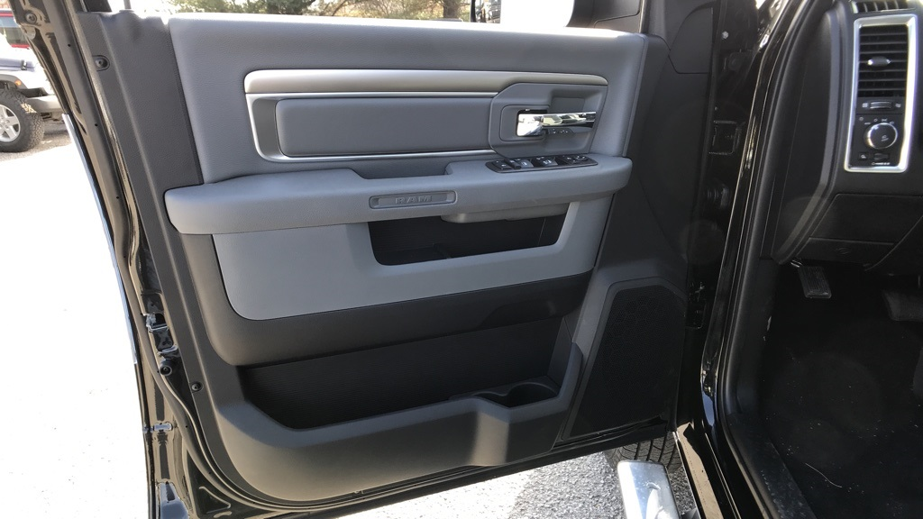 2018 Ram 3500 Crew Cab DRW 4x4, Pickup #C8504 - photo 30