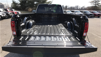 2018 Ram 3500 Crew Cab DRW 4x4, Pickup #C8504 - photo 35