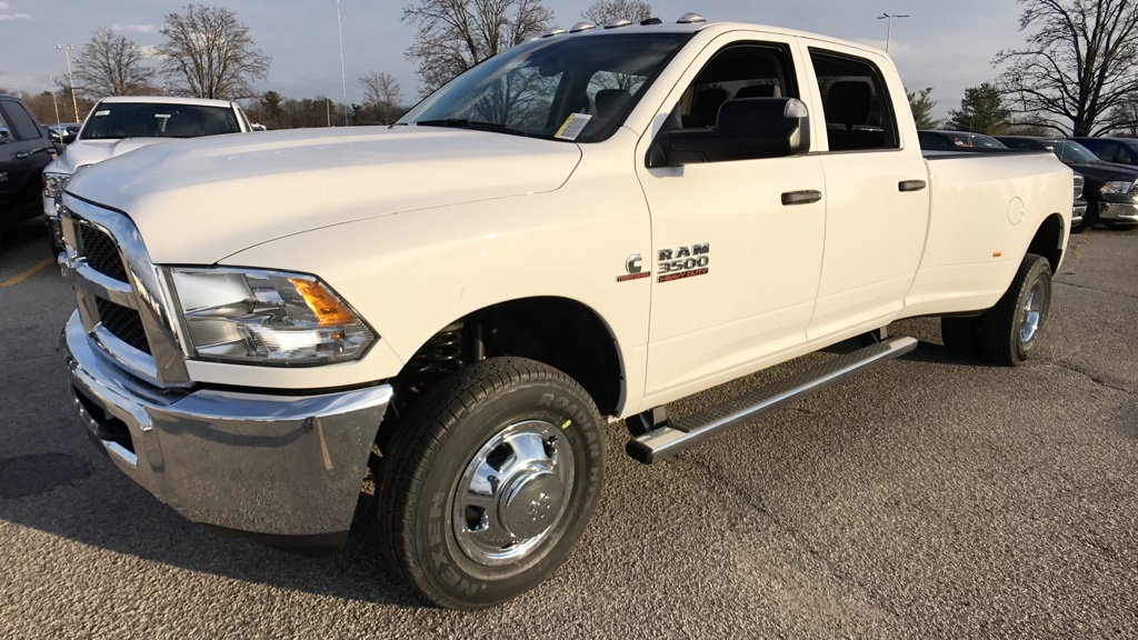 2018 Ram 3500 Crew Cab DRW 4x4, Pickup #C8531 - photo 7