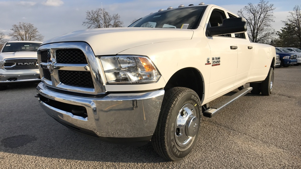 2018 Ram 3500 Crew Cab DRW 4x4, Pickup #C8531 - photo 9