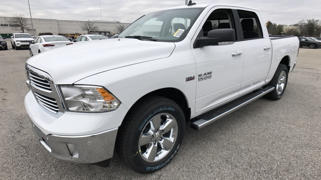 2018 Ram 1500 Crew Cab 4x4, Pickup #C8560 - photo 7