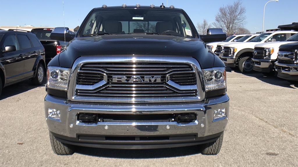 2018 Ram 3500 Crew Cab DRW 4x4, Pickup #C8574 - photo 10