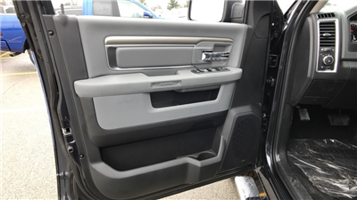 2018 Ram 1500 Crew Cab 4x4, Pickup #C8588 - photo 27