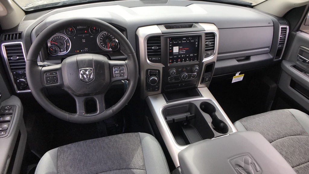 2018 Ram 1500 Crew Cab 4x4, Pickup #C8754 - photo 15