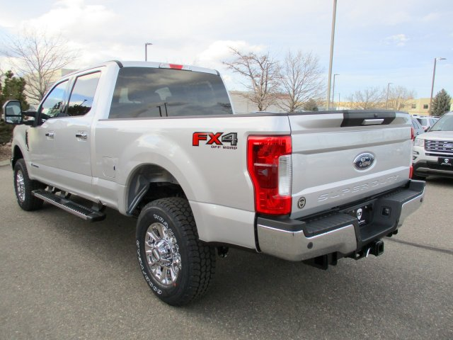 2018 F-250 Crew Cab 4x4, Pickup #00058461 - photo 2