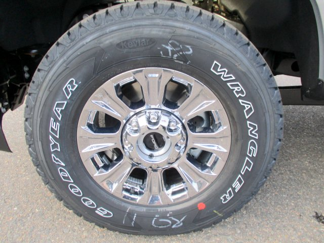 2018 F-250 Crew Cab 4x4, Pickup #00058461 - photo 9