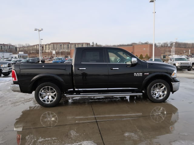 2018 Ram 1500 Crew Cab 4x4, Pickup #DT2396 - photo 6