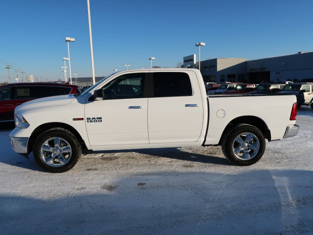 2017 Ram 1500 Crew Cab 4x4, Pickup #DT2459 - photo 3