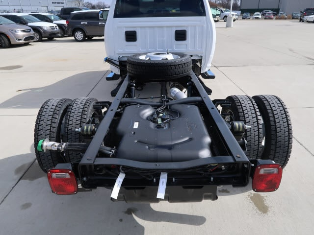 2018 Ram 5500 Regular Cab DRW 4x4, Cab Chassis #DT2515 - photo 2