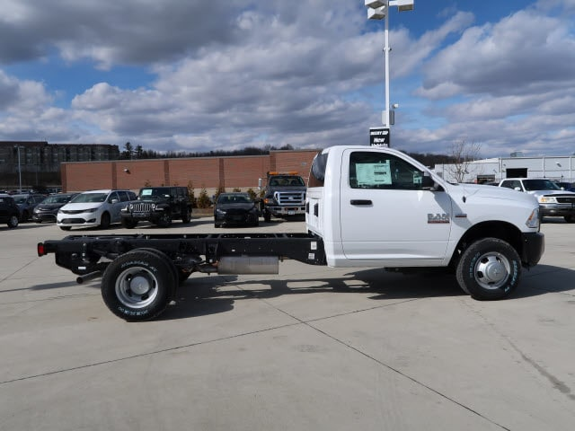 2018 Ram 3500 Regular Cab DRW 4x4, Cab Chassis #DT2547 - photo 5