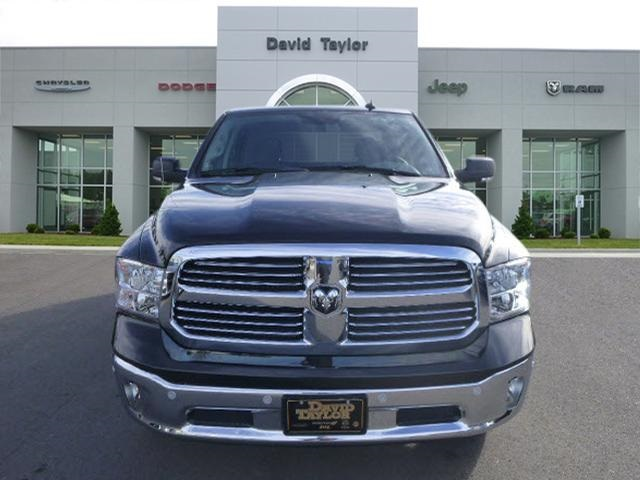 2018 Ram 1500 Crew Cab 4x4, Pickup #135665 - photo 3