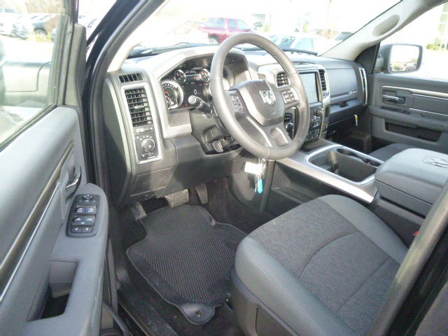 2018 Ram 1500 Crew Cab 4x4, Pickup #135665 - photo 5