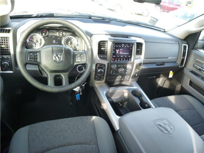 2018 Ram 1500 Crew Cab 4x4, Pickup #135665 - photo 16