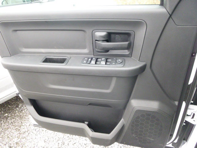 2018 Ram 1500 Crew Cab 4x4, Pickup #159616 - photo 13