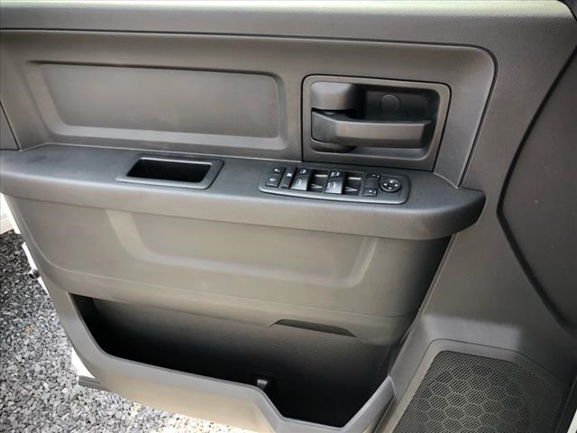 2018 Ram 3500 Crew Cab DRW 4x4, Pickup #229013 - photo 20