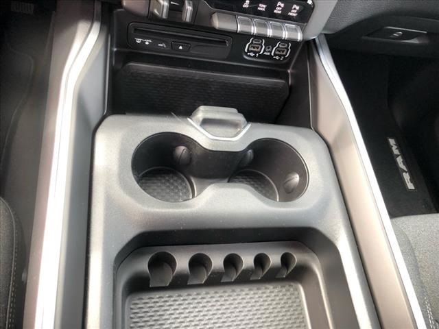 2019 Ram 1500 Crew Cab 4x4, Pickup #524050 - photo 11