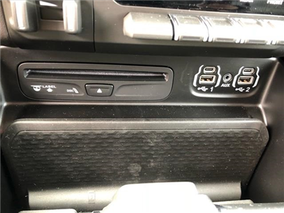 2019 Ram 1500 Crew Cab 4x4, Pickup #524050 - photo 10