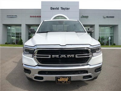 2019 Ram 1500 Crew Cab 4x4, Pickup #524050 - photo 3