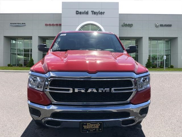 2019 Ram 1500 Crew Cab 4x4,  Pickup #561290 - photo 3