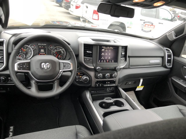 2019 Ram 1500 Crew Cab 4x4,  Pickup #676000 - photo 15