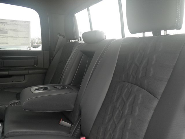 2018 Ram 1500 Crew Cab 4x4, Pickup #C18137 - photo 10