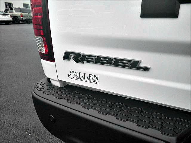 2018 Ram 1500 Crew Cab 4x4, Pickup #C18137 - photo 5