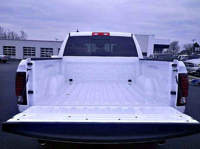 2018 Ram 1500 Crew Cab 4x4, Pickup #C18137 - photo 40