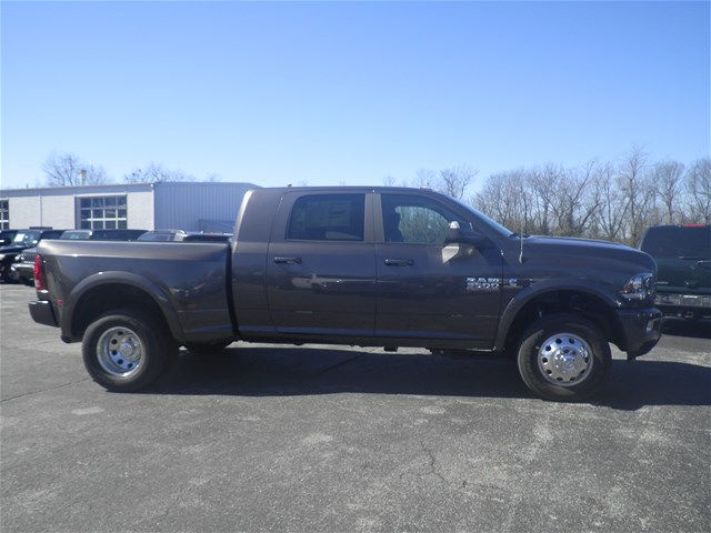 2018 Ram 3500 Mega Cab DRW 4x4,  Pickup #C18259 - photo 9