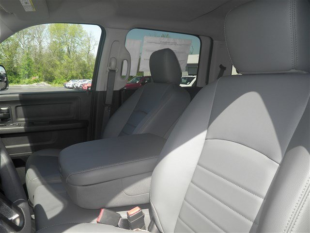 2018 Ram 3500 Crew Cab DRW 4x4, Pickup #C18297 - photo 21