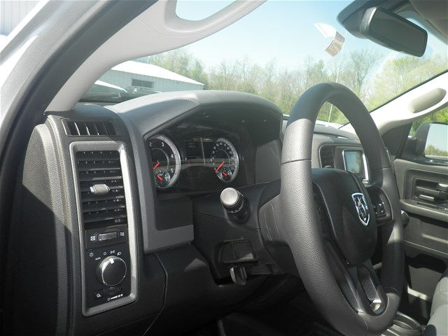 2018 Ram 3500 Crew Cab DRW 4x4, Pickup #C18297 - photo 24