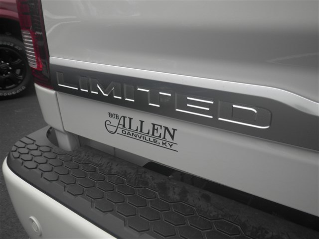 2018 Ram 2500 Crew Cab 4x4,  Pickup #C18361 - photo 5