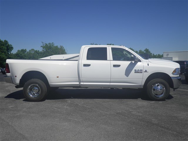 2018 Ram 3500 Crew Cab DRW 4x4,  Pickup #C18438 - photo 6