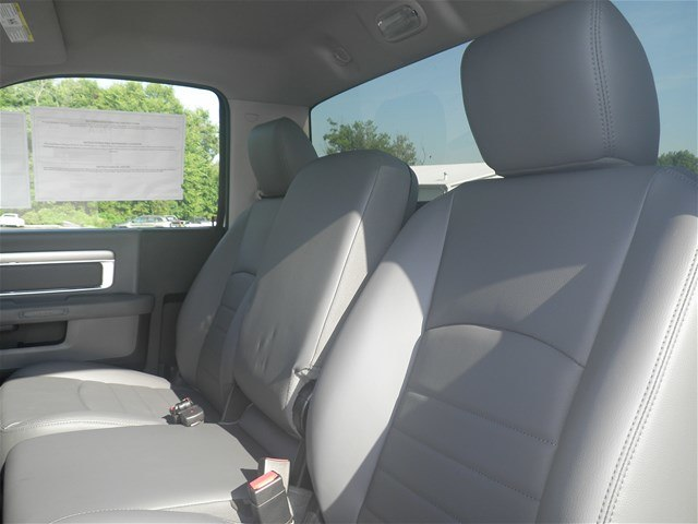 2018 Ram 3500 Regular Cab DRW 4x4,  Cab Chassis #C18504 - photo 11