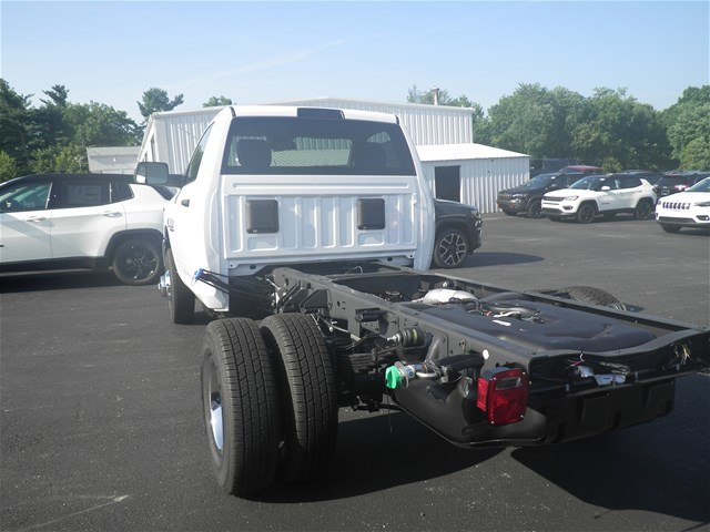 2018 Ram 3500 Regular Cab DRW 4x4,  Cab Chassis #C18504 - photo 2
